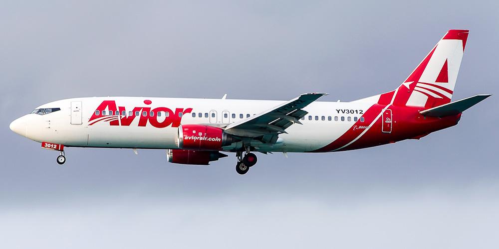 Самолет Боинг-737-400 авиакомпании Avior