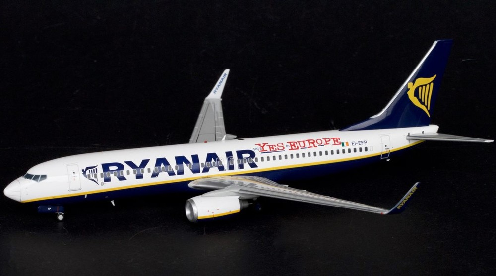 """Boeing 737-800 """"says YES to EUROPE"""""""