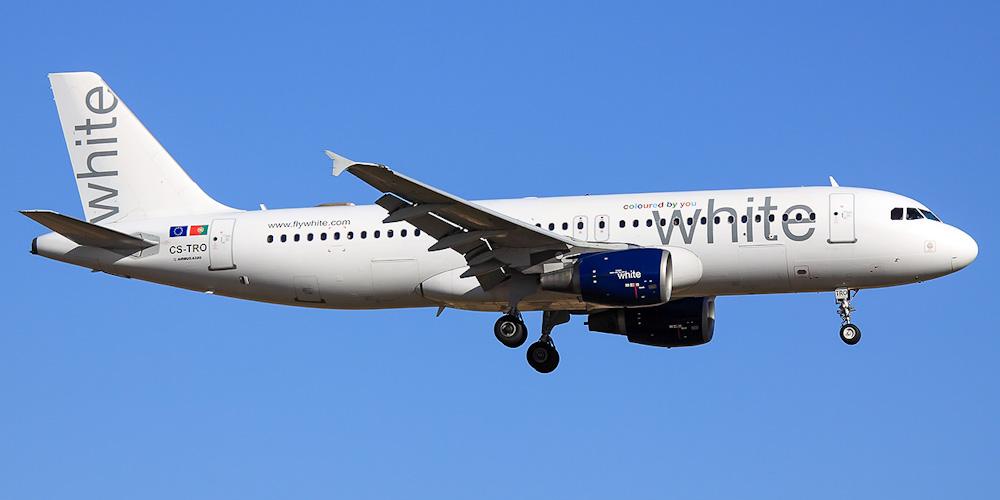 Самолет Airbus A320 авиакомпании White Airways